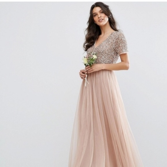 350f68267ba Maya V-Neck Blush Taupe Sequin and Tulle Dress. M 5c47a98703087cee3aa2e8b2